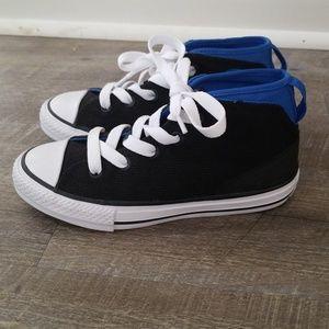 Boys Converse Black & Blue Size 1.